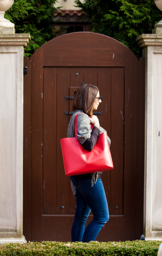 9a0bf61e1913 The Everlane Day Market Tote is the best tote around for any gal. From running  errands to work